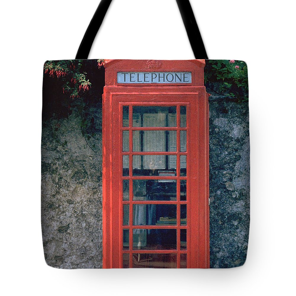 Great Britain Tote Bag featuring the photograph Phone Booth by Flavia Westerwelle
