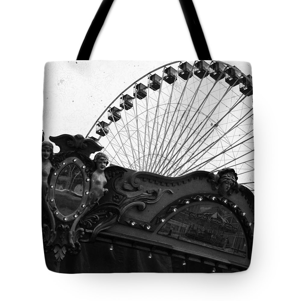 Navy Pier Tote Bag featuring the photograph Pier Park Navy Pier Chicago by Kyle Hanson