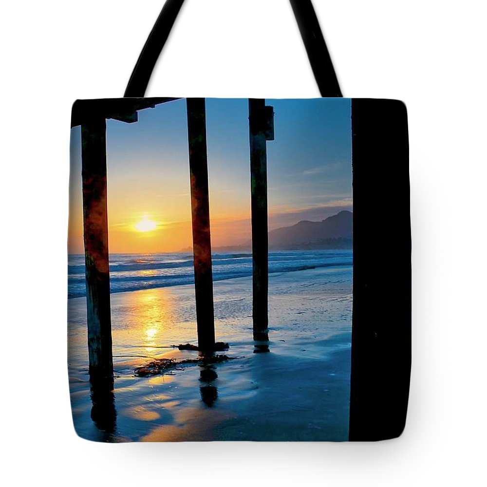 California Tote Bag featuring the photograph Pismo Beach Pier Sunset by Zayne Diamond Photographic