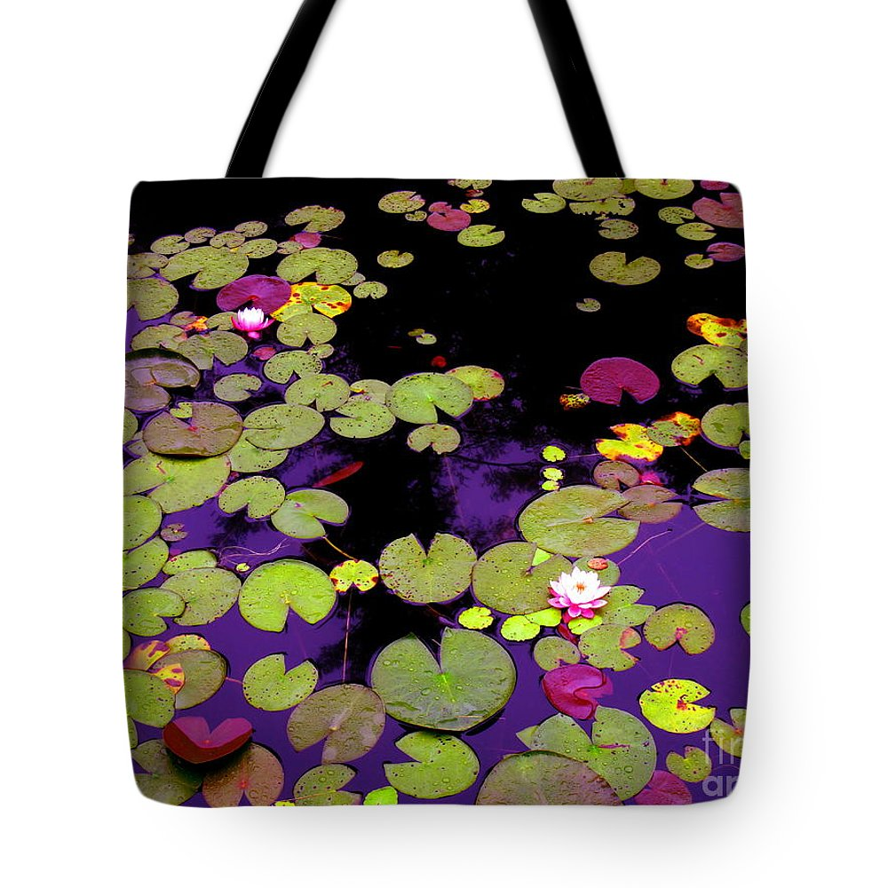 Water Tote Bag featuring the photograph Family In Love by Sybil Staples