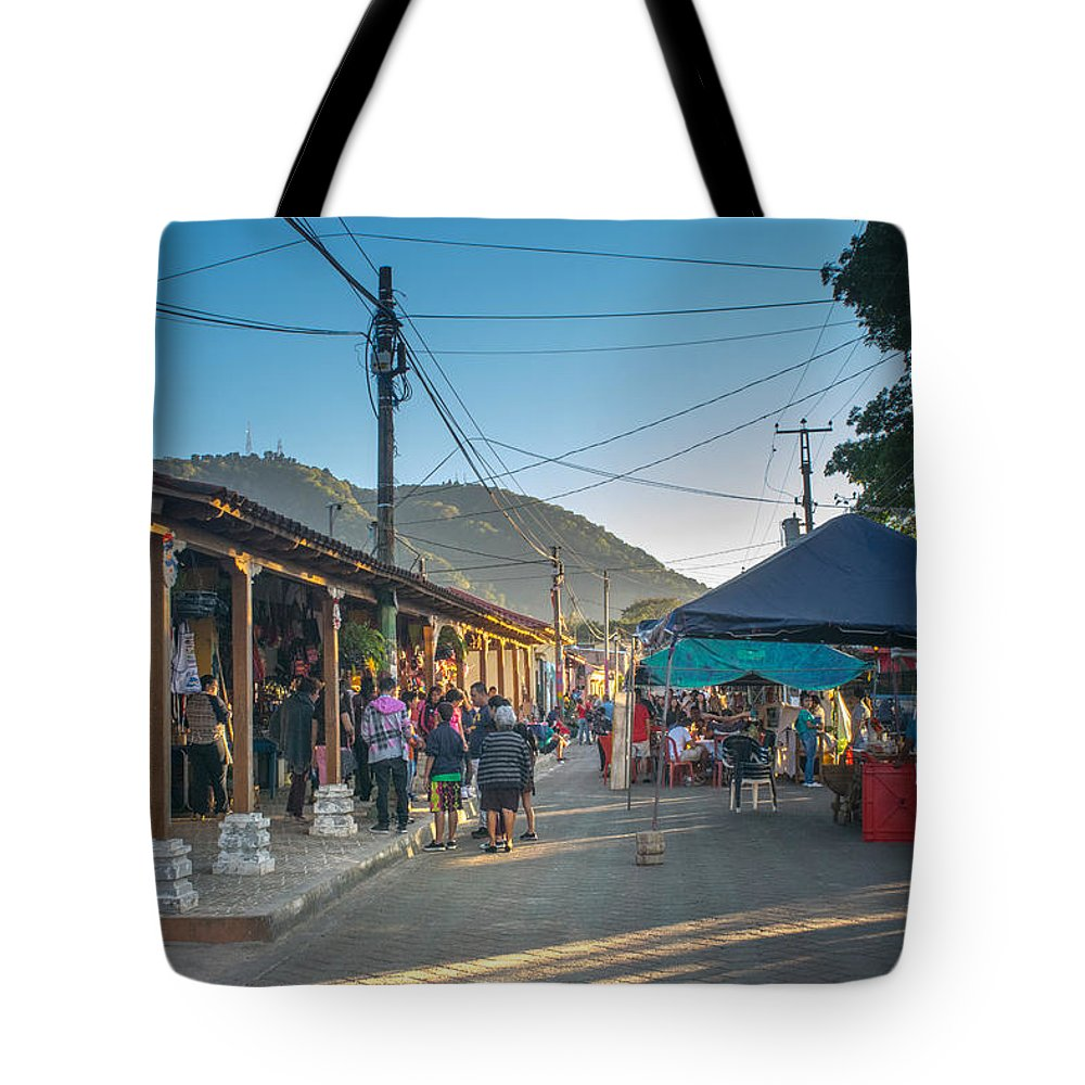 Apaneca Tote Bag featuring the photograph Plaza Central Apaneca by Totto Ponce