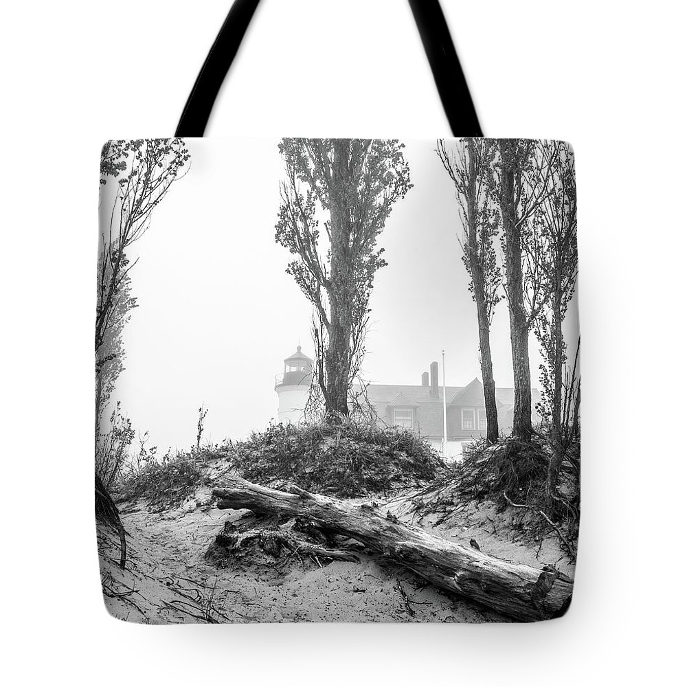 Point Betsie Lighthouse In Fog Tote Bag featuring the photograph Point Betsie Lighthouse In Fog by Dan Sproul