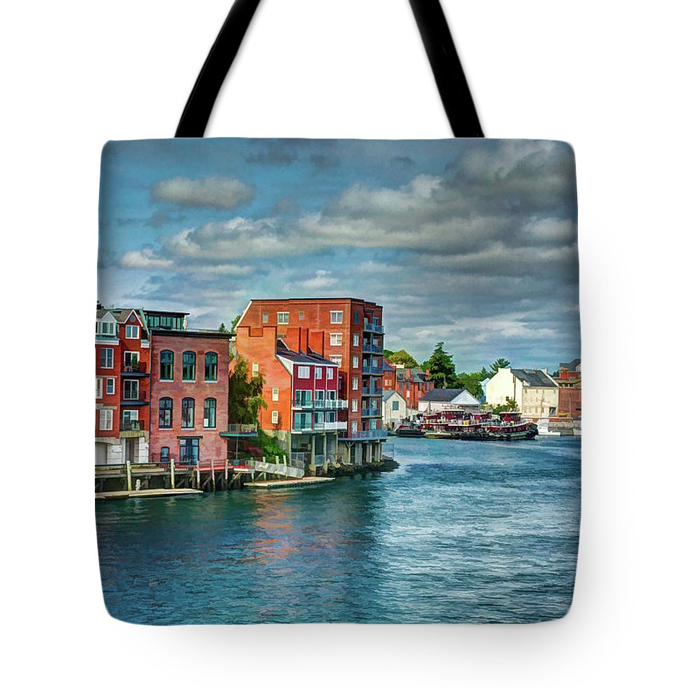 New England Tote Bag featuring the photograph Portsmouth Harbor by Dave Thompsen