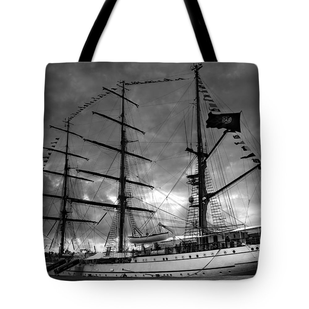 Brig Tote Bag featuring the photograph Portuguese Tall Ship by Gaspar Avila