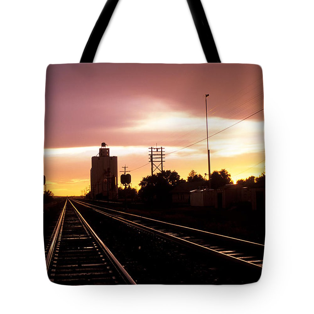 Potter Tote Bag featuring the photograph Potter Tracks by Jerry McElroy