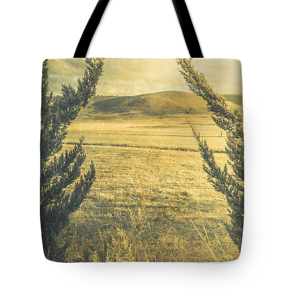 Tree Tote Bag featuring the photograph Prairie Hill by Jorgo Photography - Wall Art Gallery