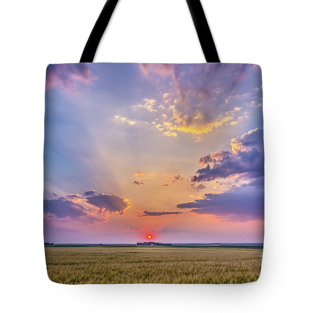 Alberta Tote Bag featuring the photograph Prairie Sunset With Crepuscular Rays by Alan Dyer
