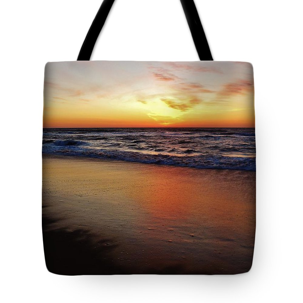 Mark Lemmon Cape Hatteras Nc The Outer Banks Photographer Subjects From Sunrise Tote Bag featuring the photograph Predawn Glowing Reflection 4 412 by Mark Lemmon
