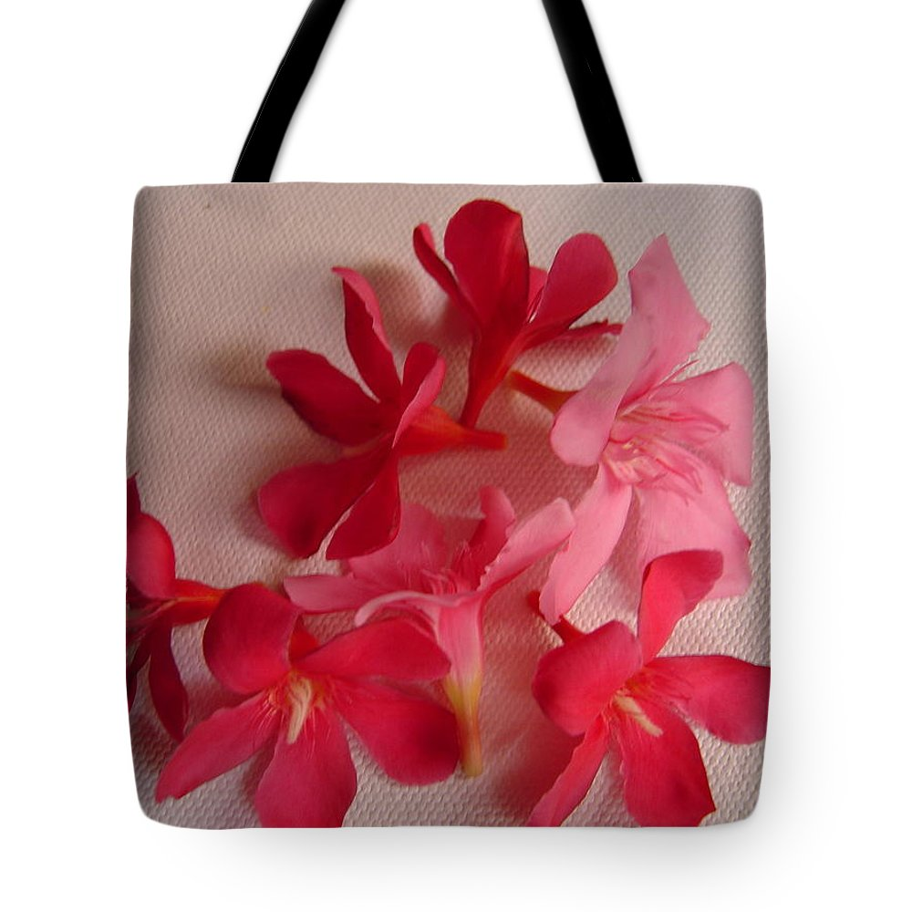 Foliage Tote Bag featuring the photograph Pretty Flowers by Usha Shantharam