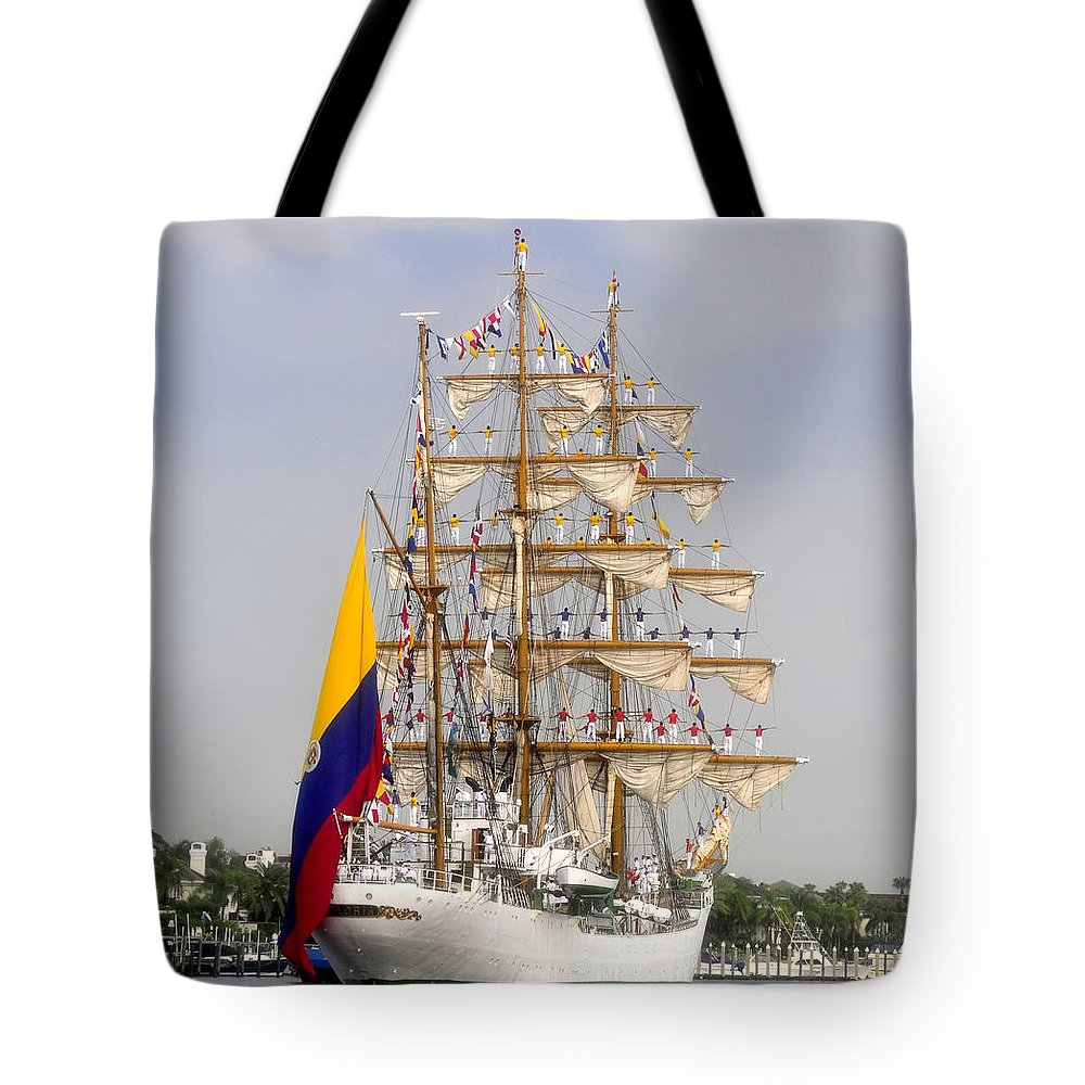 Columbia Tote Bag featuring the photograph Pride Of Columbia by David Lee Thompson