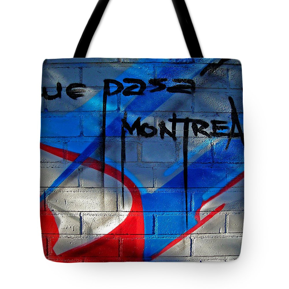 Paint Tote Bag featuring the photograph Que Pasa ... by Juergen Weiss