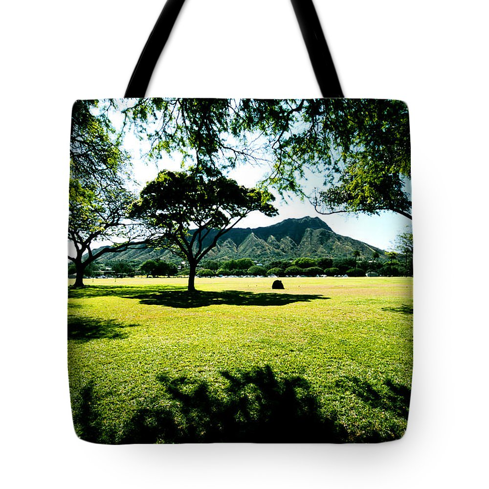Diamond Head Tote Bag featuring the photograph Queen Kapiolani Park by Kevin Smith