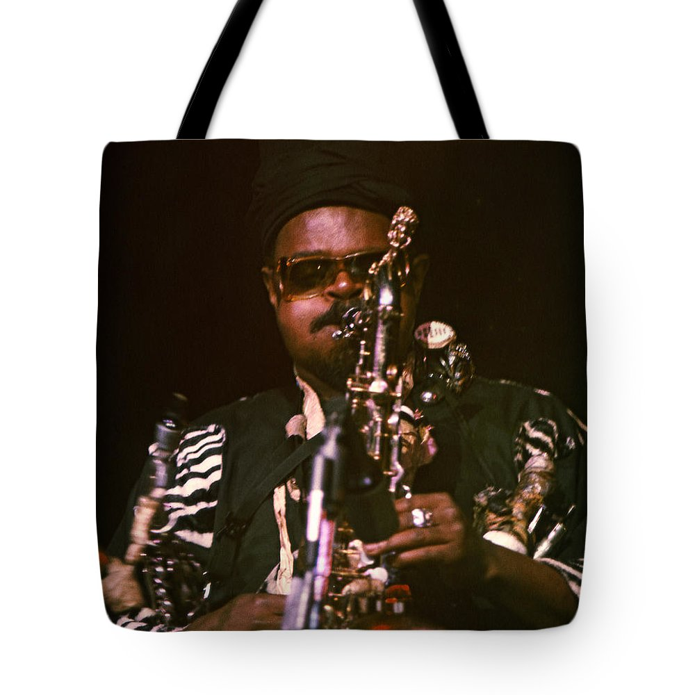 Rahsaan Roland Kirk Tote Bag featuring the photograph Rahsaan Roland Kirk 3 by Lee Santa