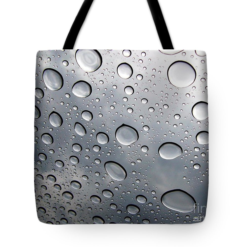 Rain Tote Bag featuring the photograph Raindrops by Kenna Westerman