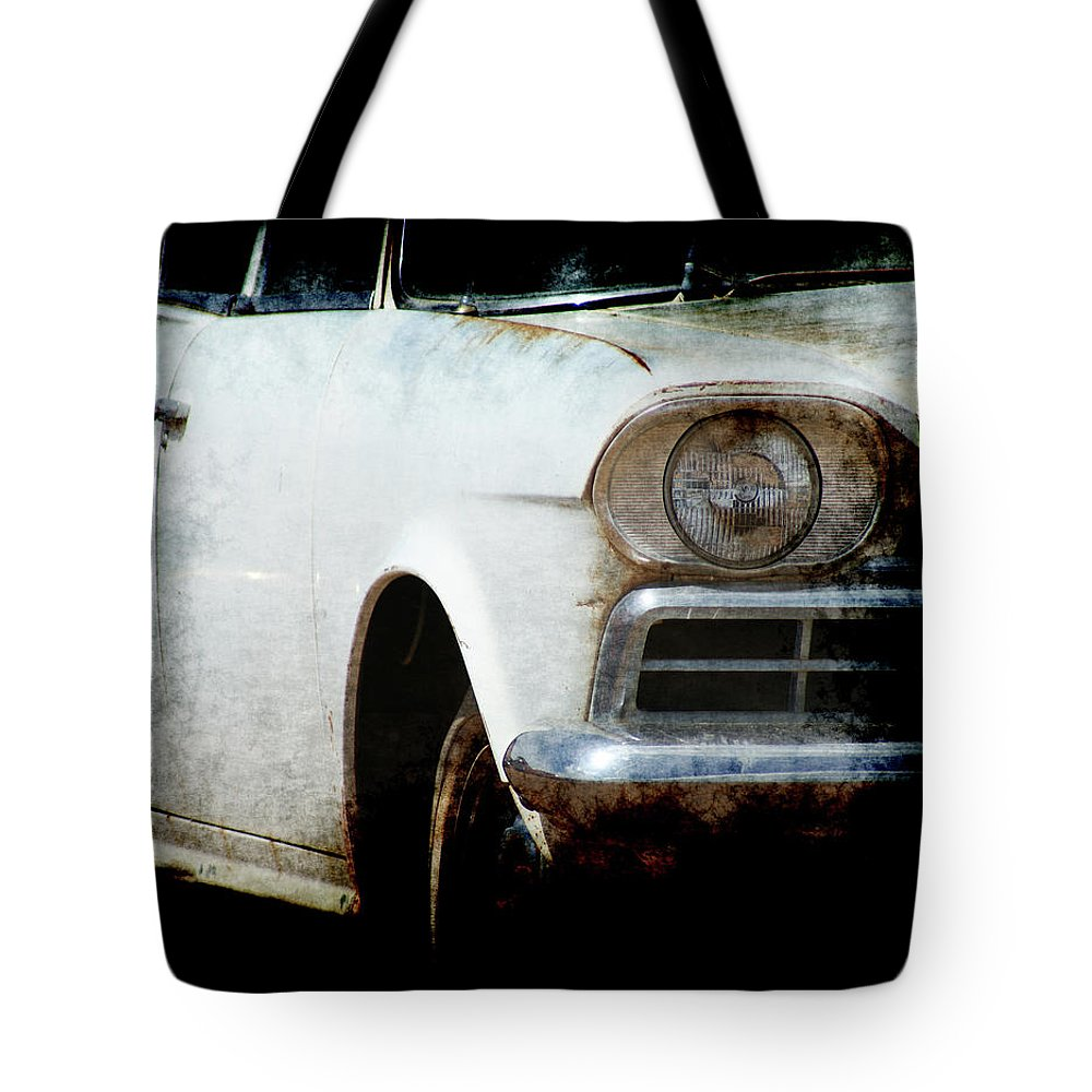 Rambler Tote Bag featuring the photograph Rambler by Ernie Echols