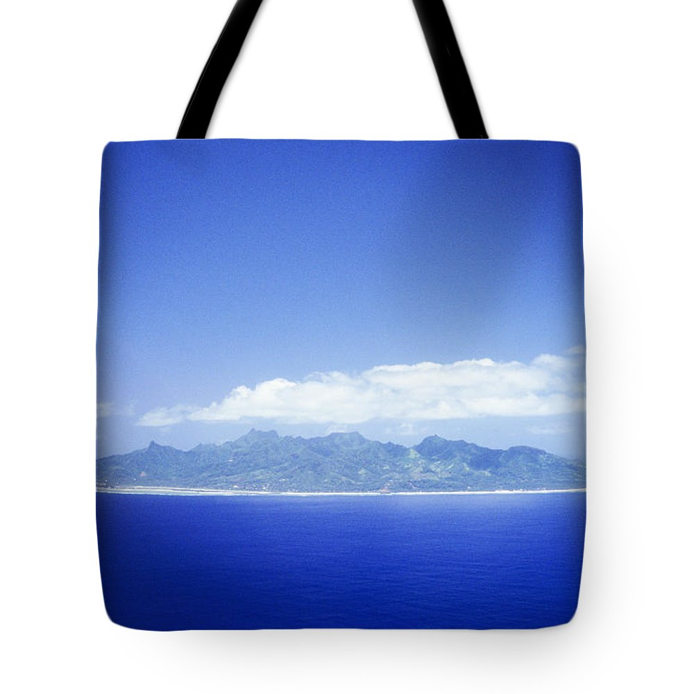 Aerial Tote Bag featuring the photograph Rarotonga Aerial by Kyle Rothenborg - Printscapes