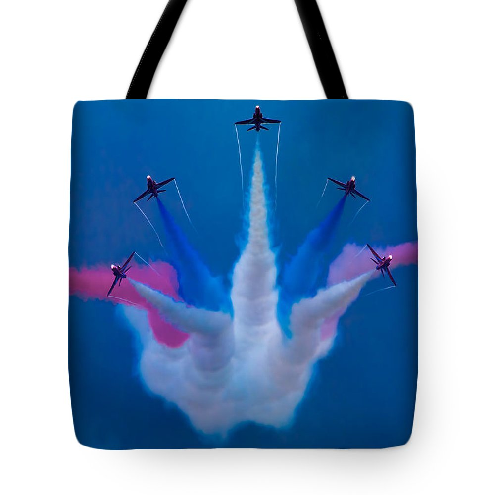Flight Tote Bag featuring the photograph Red Arrows At Airbourne 2010 by Chris Lord