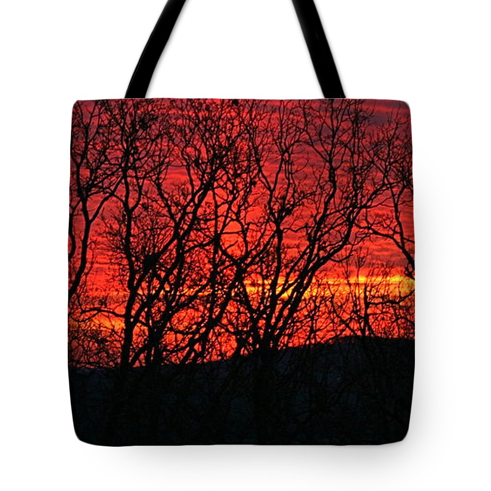 Sunrise Tote Bag featuring the photograph Red Sunrise Over The Ozarks by Nadine Rippelmeyer