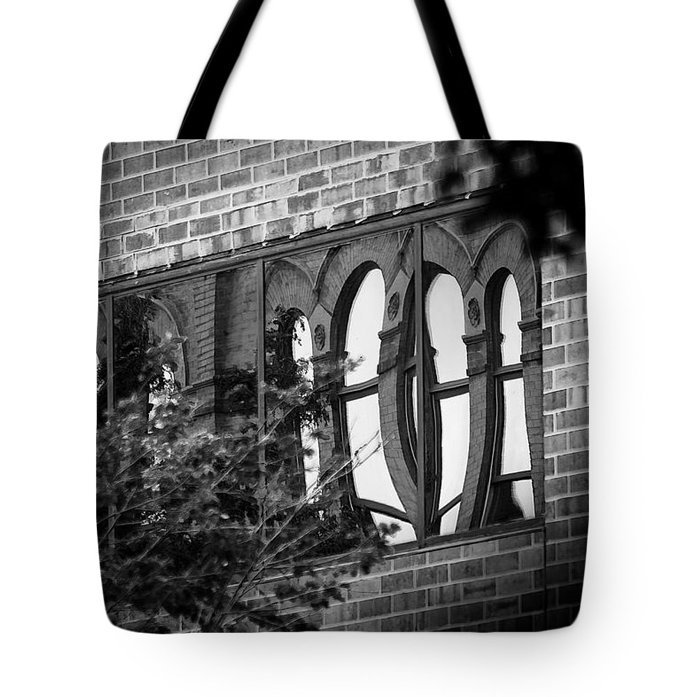 Sioux Falls Tote Bag featuring the photograph Refections Of Old And New by Mike Oistad