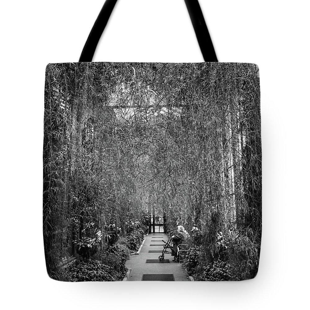 Longwood Garden Tote Bag featuring the photograph Taking A Load Off by Robert Kruger