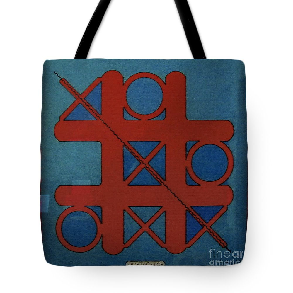 Tic-tac-toe Tote Bag featuring the drawing Rfb0802 by Robert F Battles