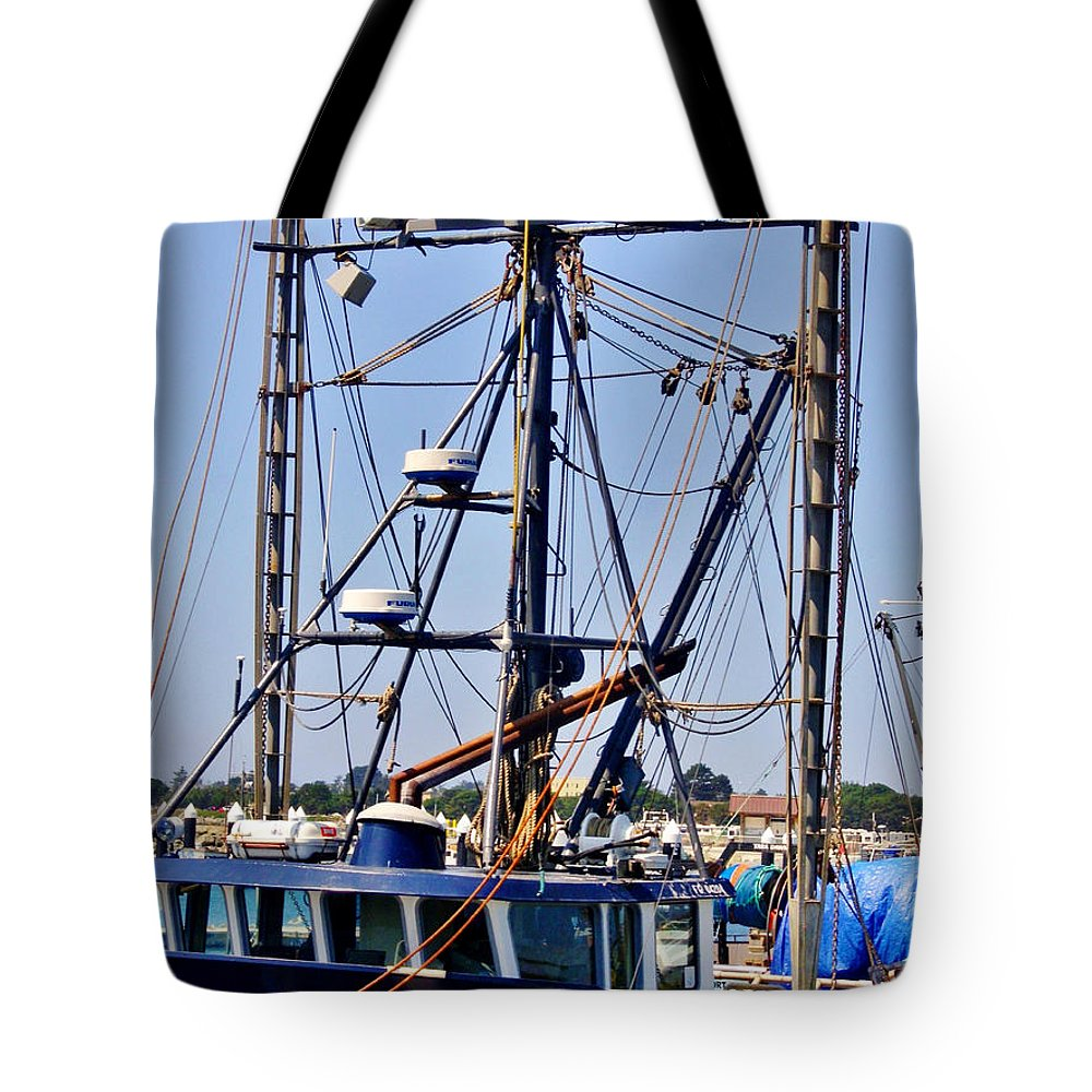 Rigging Tote Bag featuring the photograph Rigging by Marilyn Diaz
