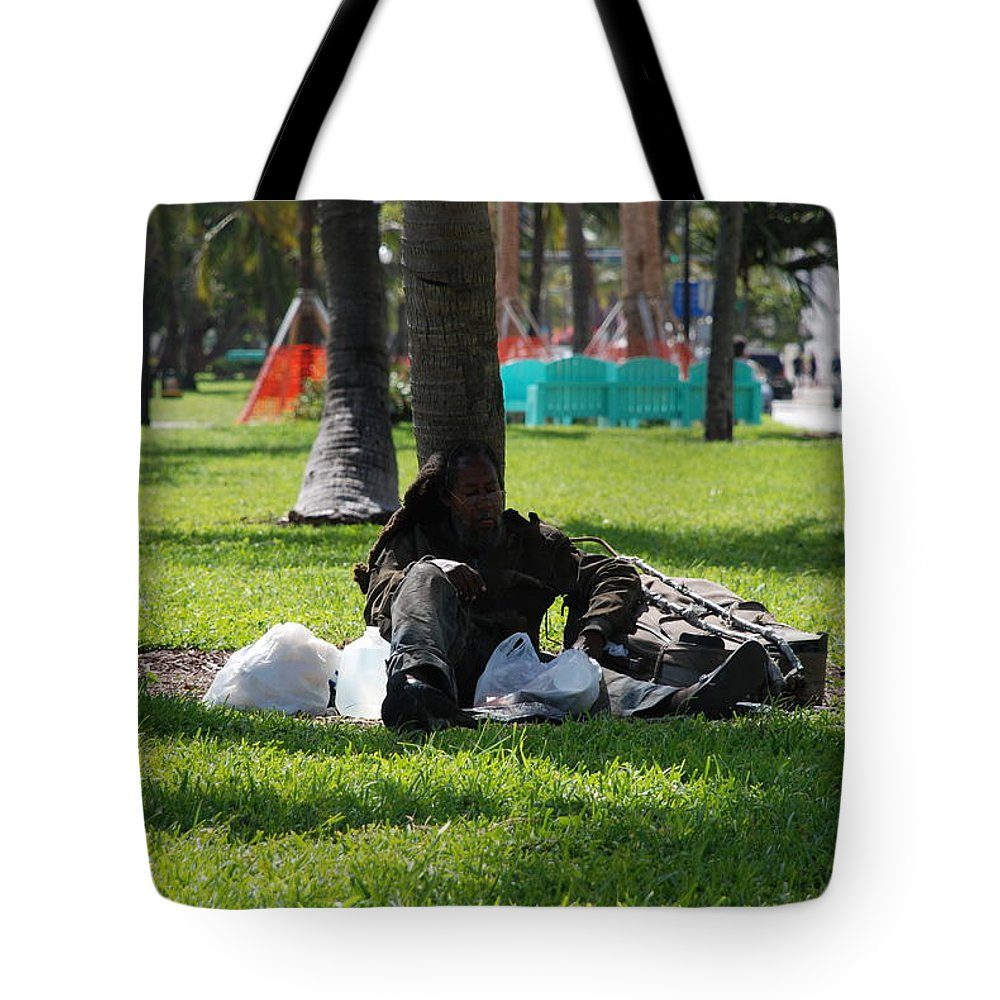 Urban Tote Bag featuring the photograph Rip Van Winkle by Rob Hans