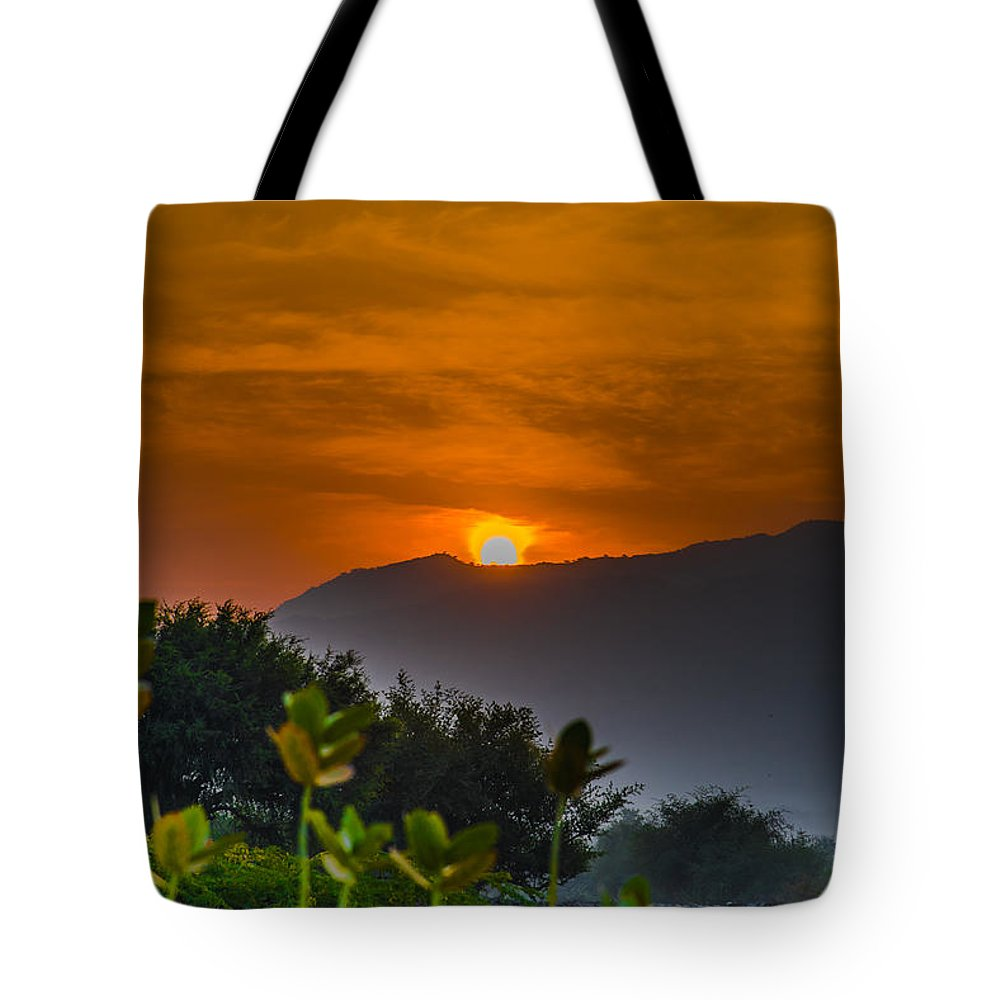 Beautiful Tote Bag featuring the photograph Rise And Shine by Anupam Gupta