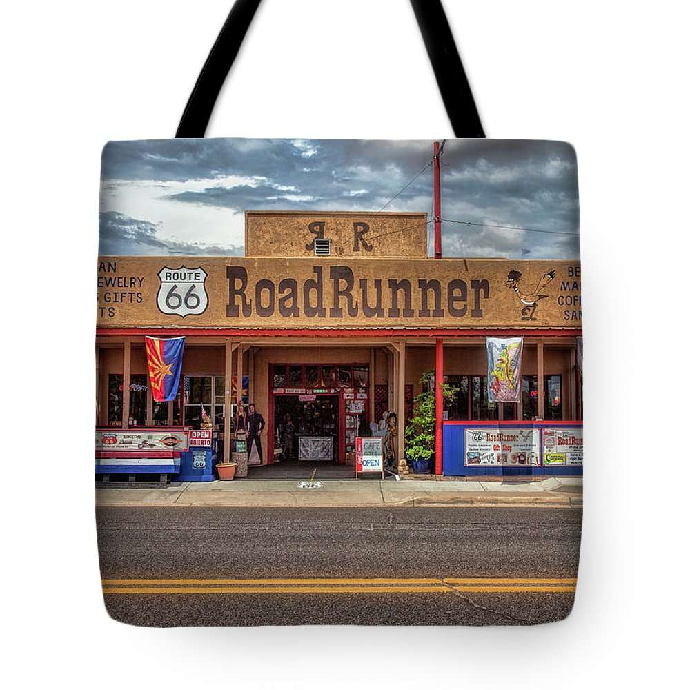 66 Tote Bag featuring the photograph Roadrunner by Diana Powell