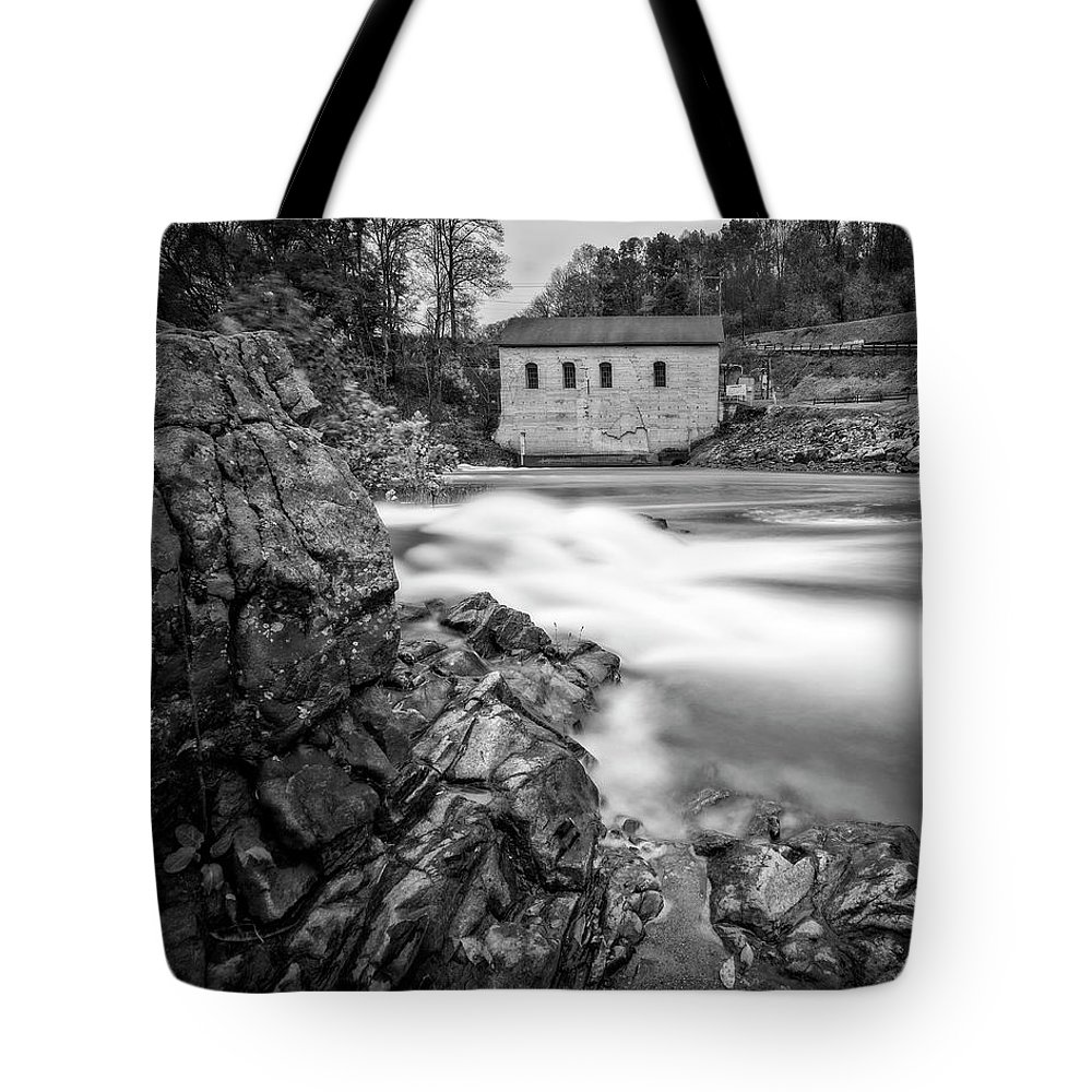 Roanoke Tote Bag featuring the photograph Roanoke River Flow by Alan Raasch