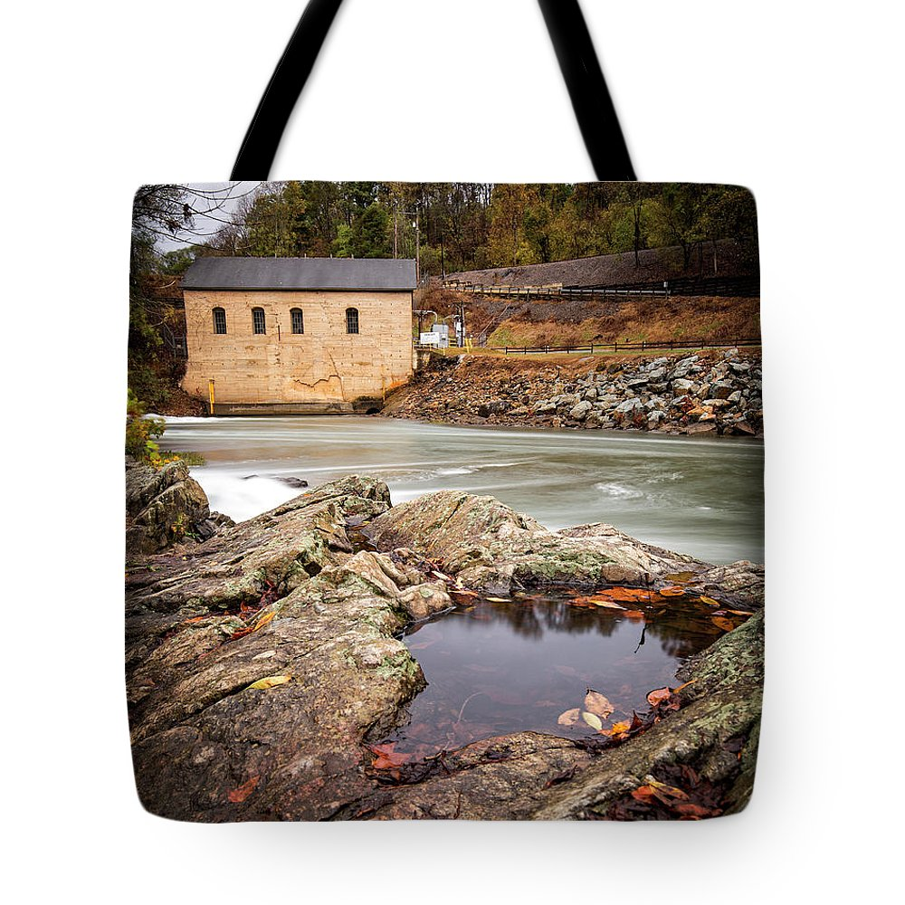Roanoke Tote Bag featuring the photograph Roanoke River Niagra Rd Dam by Alan Raasch