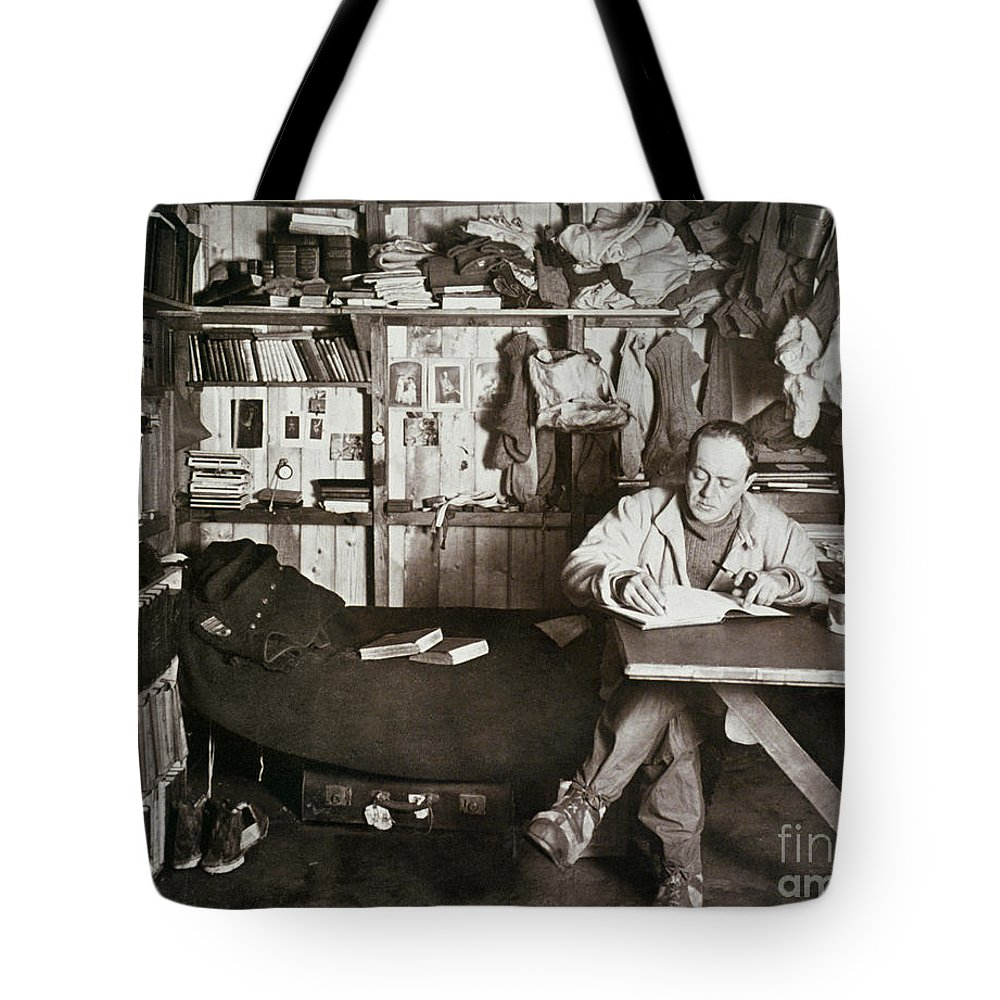 1911 Tote Bag featuring the painting Robert Falcon Scott by Granger