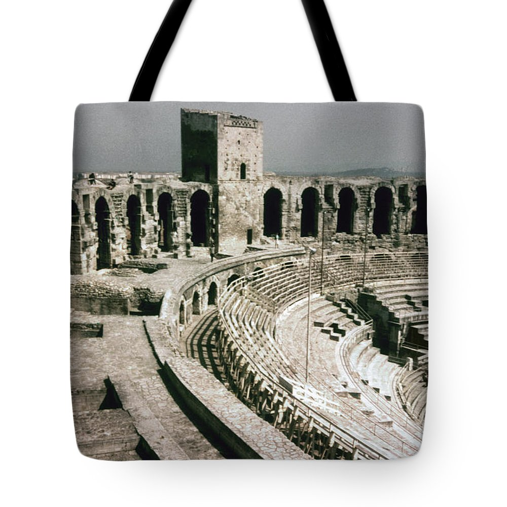 1st Century Tote Bag featuring the photograph Roman Amphitheatre, Arles by Granger