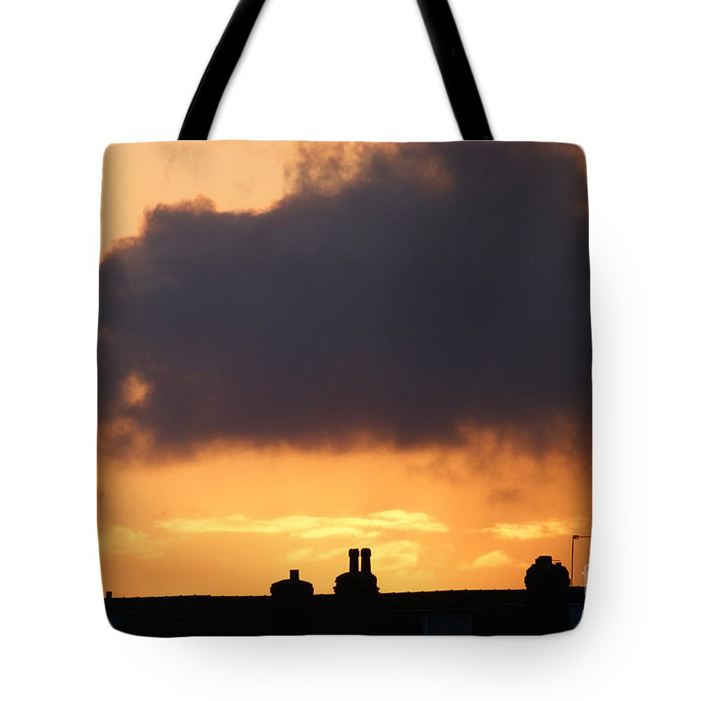 Sunset Tote Bag featuring the photograph Rooftop Sunset by Carol Lynch