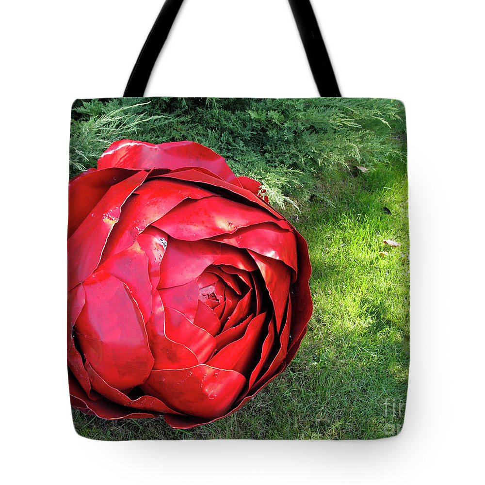 Horizontal Tote Bag featuring the photograph Rose Sculpture by Stefania Levi