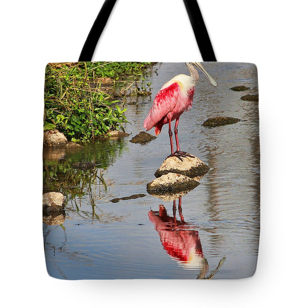 Roseate Spoonbill Tote Bag featuring the photograph Roseate Spoonbill Reflections by TN Fairey