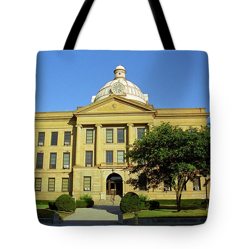 66 Tote Bag featuring the photograph Route 66 - Lincoln Illinois by Frank Romeo