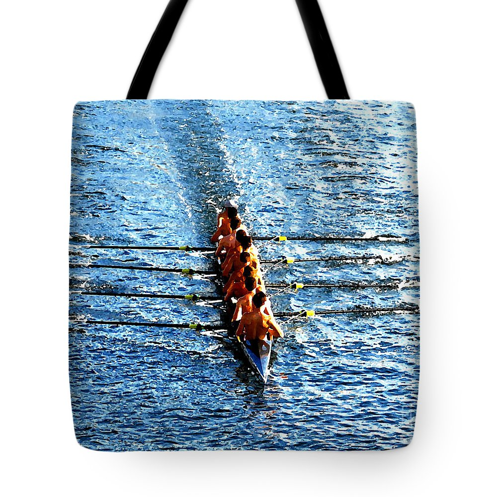 Rowing Tote Bag featuring the photograph Rowing In by David Lee Thompson