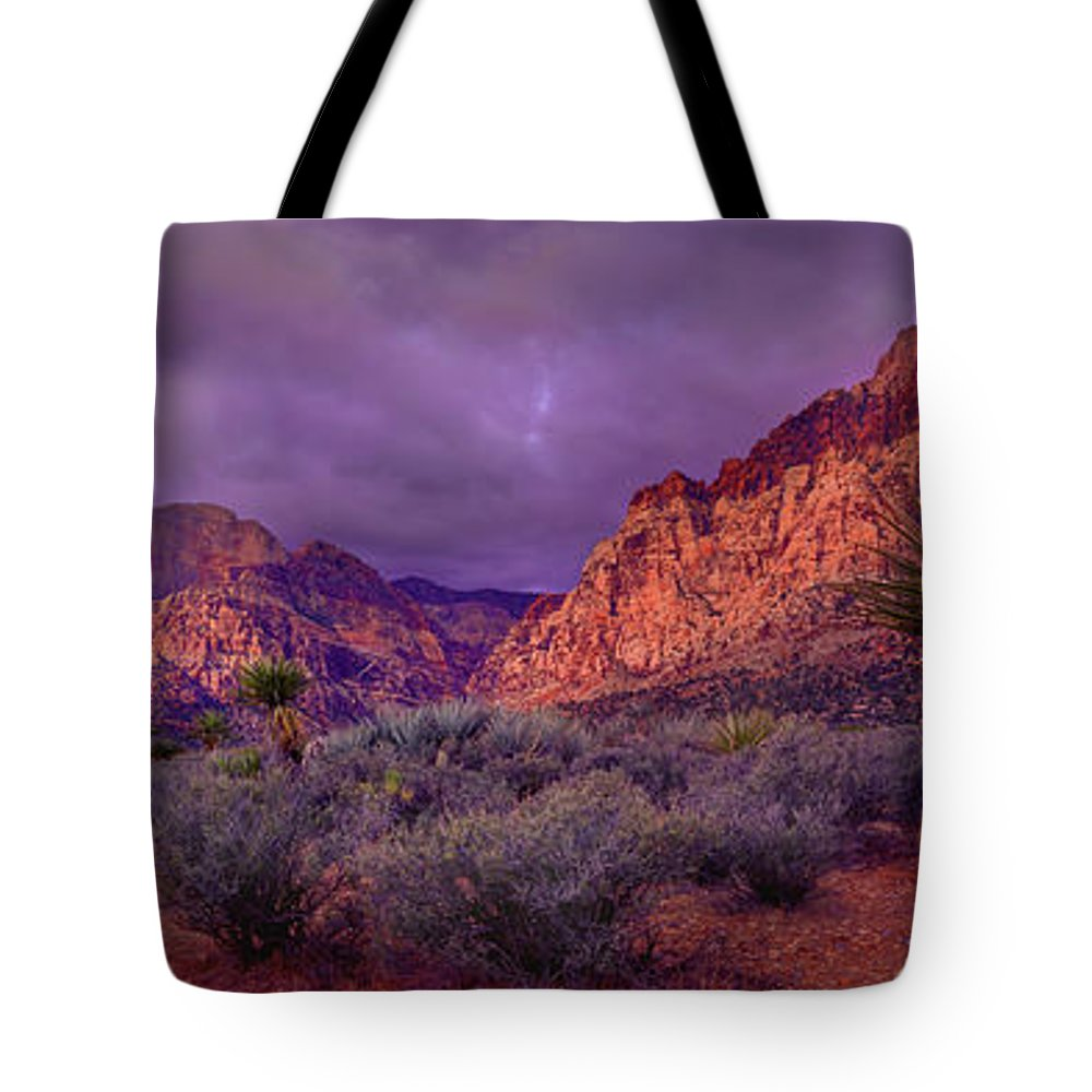 Red Rock Canyon Tote Bag featuring the photograph Red Rock Canyon by Mikes Nature