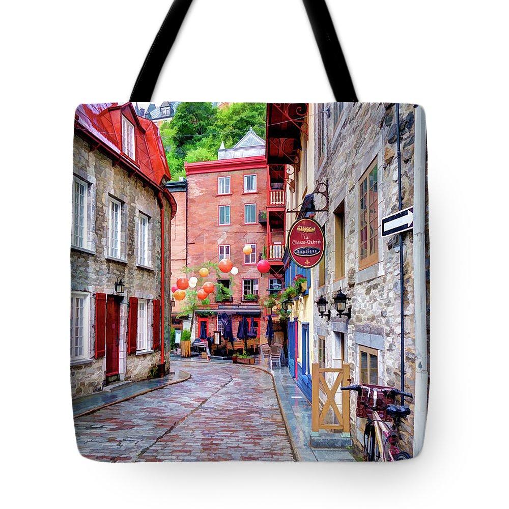 Quebec City Tote Bag featuring the photograph Rue Du Cul De Sac by Dave Thompsen