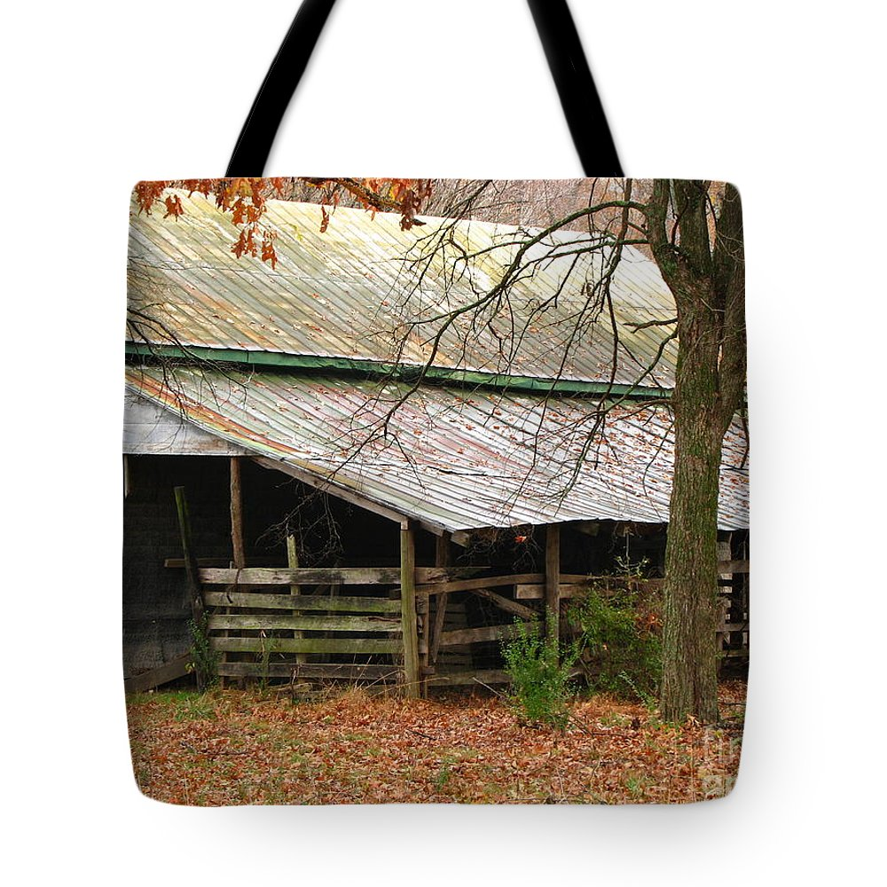 Rural Tote Bag featuring the photograph Rural by Amanda Barcon