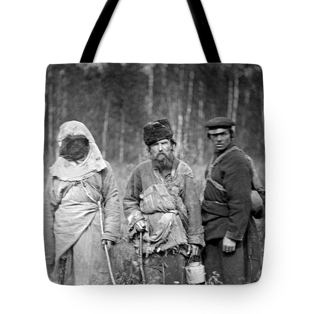 1885 Tote Bag featuring the photograph Russia: Convicts, C1885 by Granger