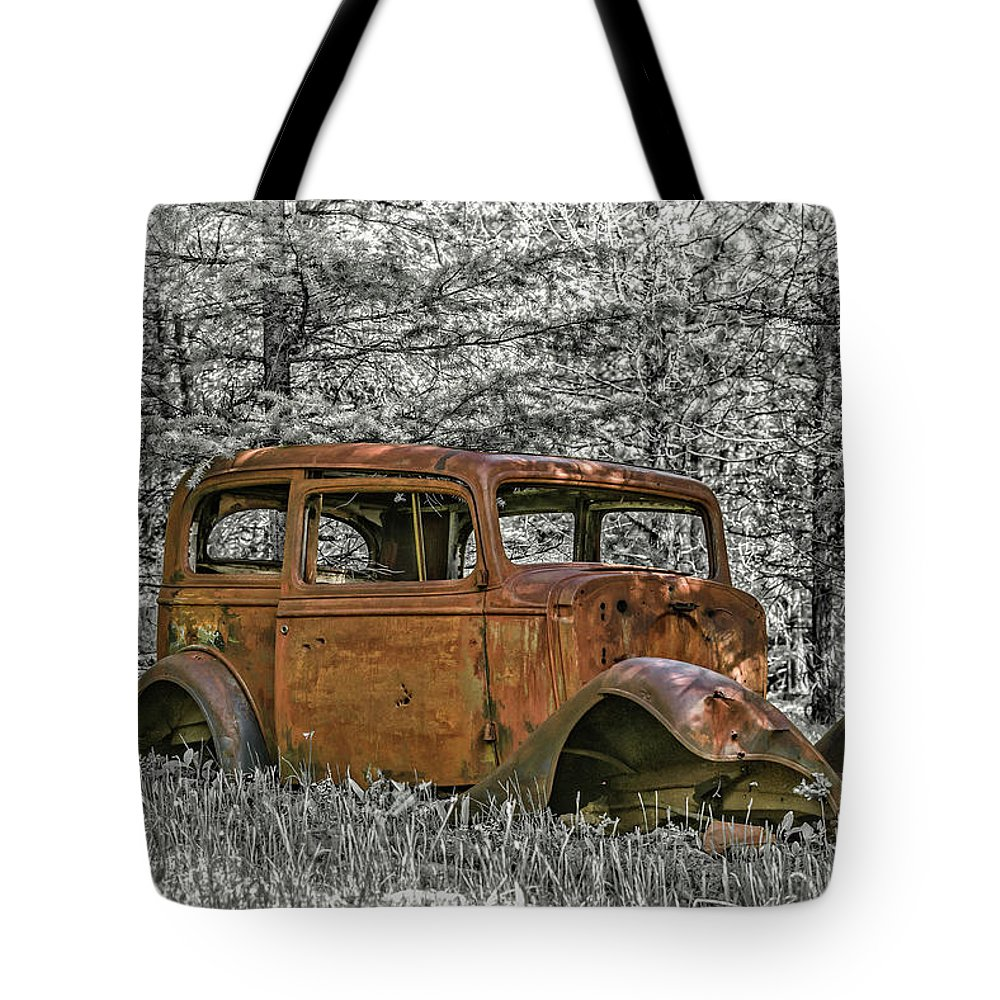 Car Tote Bag featuring the photograph Rust In Peace by Joe Hudspeth