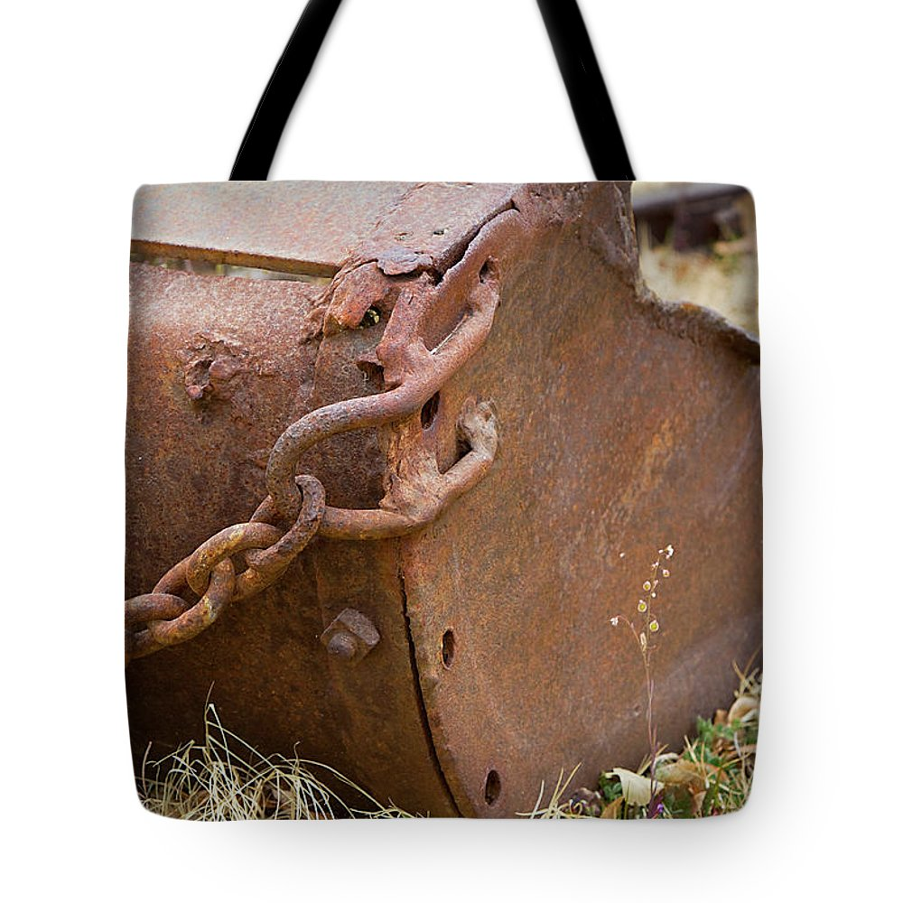 Chain Tote Bag featuring the photograph Rusty Old Ore Scoop by Phyllis Denton