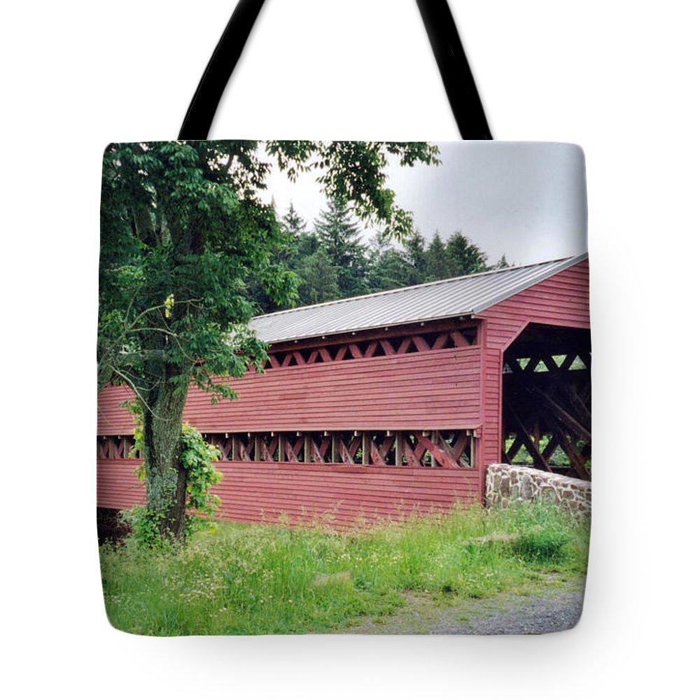 Sachs Covered Bridge Prints Tote Bag featuring the photograph Sachs Covered Bridge by Ruth Housley