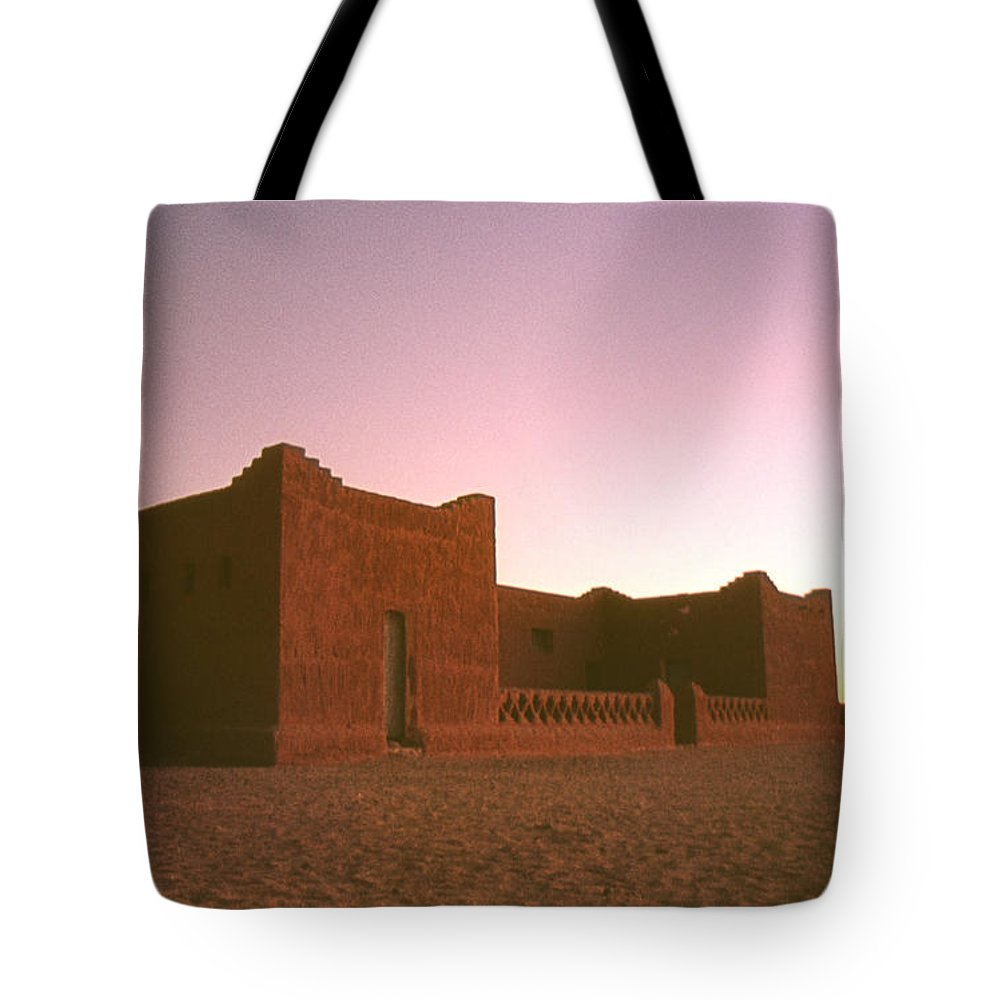 Architecture Tote Bag featuring the photograph Sahara House by David Halperin