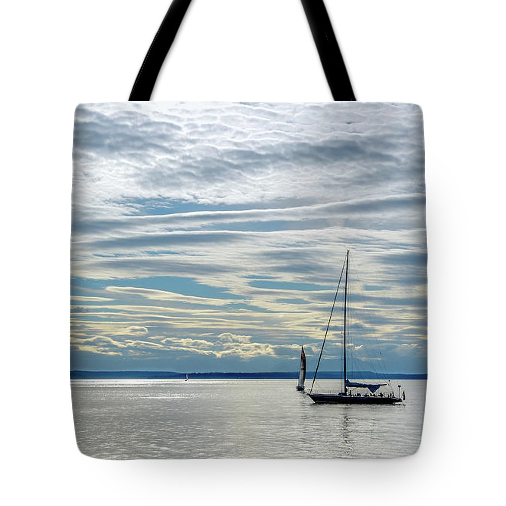Sail Tote Bag featuring the pyrography Sailing In Seattle by David Meznarich
