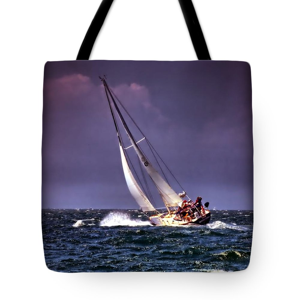 Sailing Tote Bag featuring the photograph Sailing To Nantucket 001 by Bruce Gannon