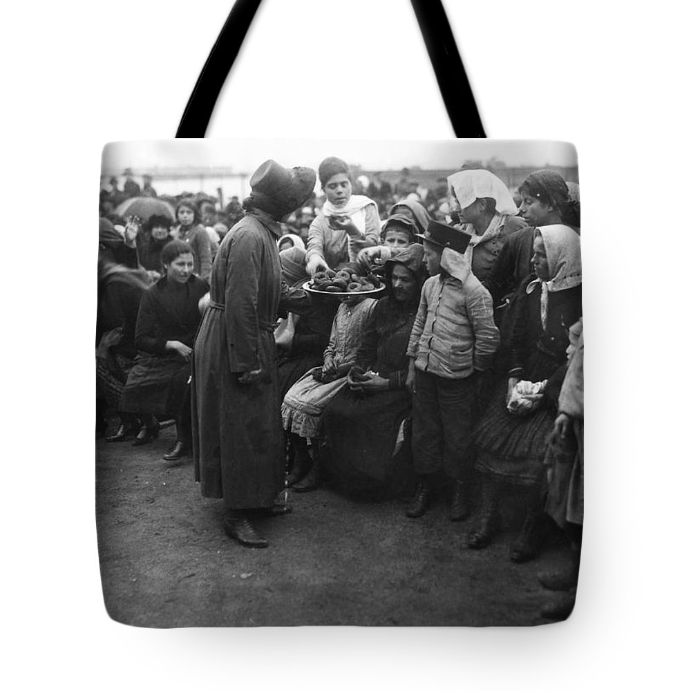 1920 Tote Bag featuring the photograph Salvation Army, 1920 by Granger