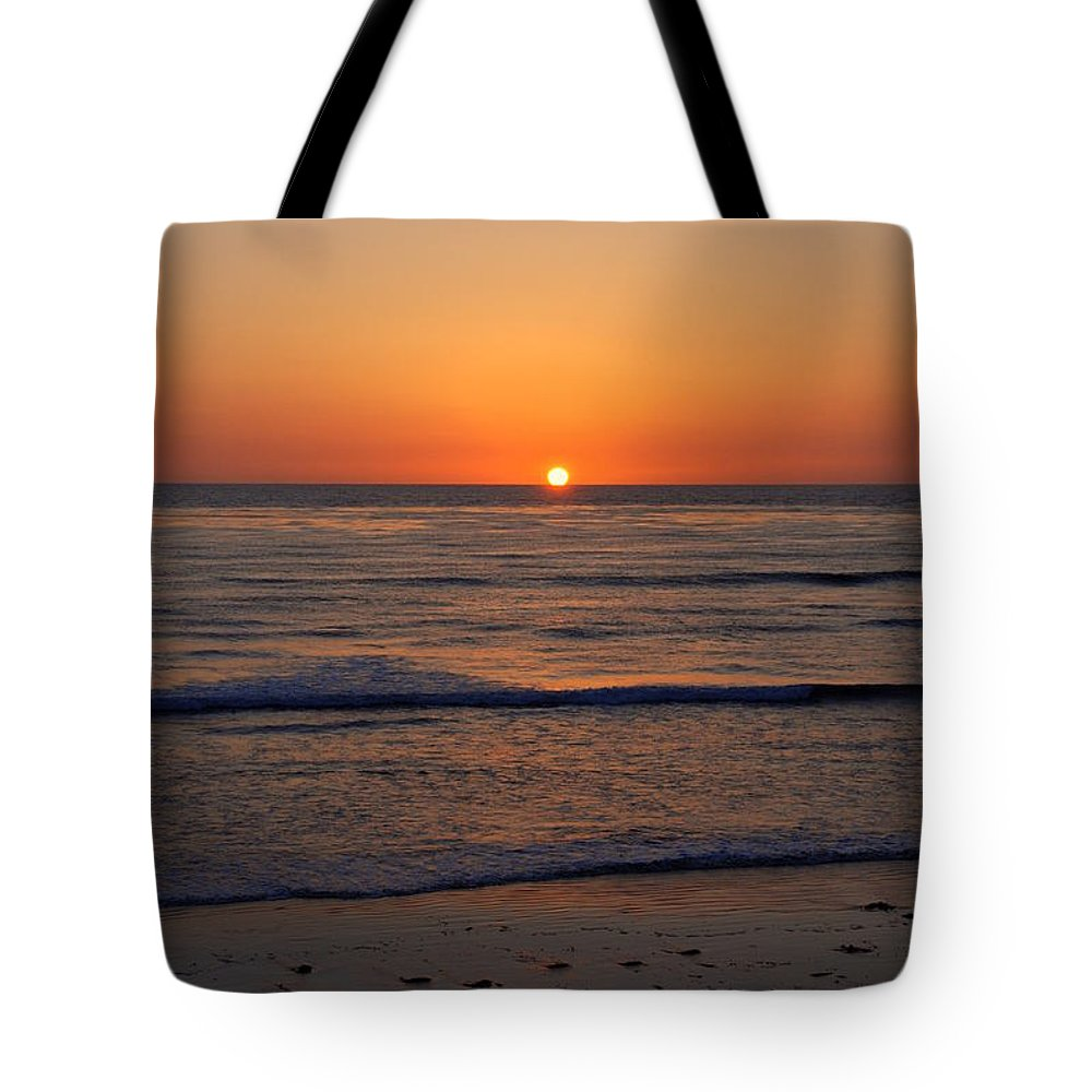Sunset Tote Bag featuring the photograph San Eljio Sunset Ca by Susanne Van Hulst